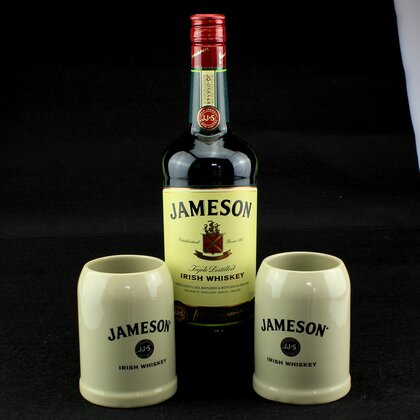 Jameson Irish Whiskey 40% 1 L & 2er Steinkrug set